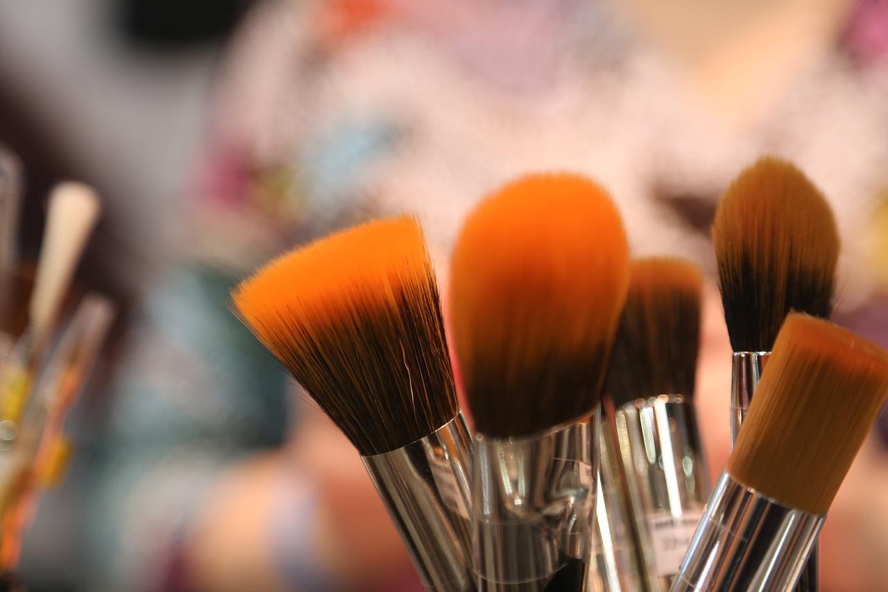 brushes-2224005_1280